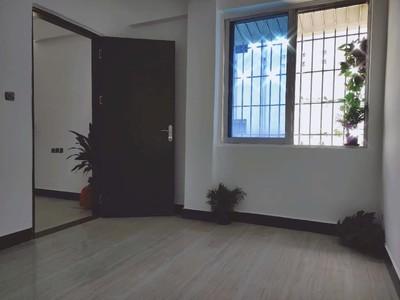 笋 荷城广场旁 马赛克二楼 全新装修两房单位 总价2字头!