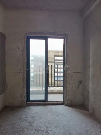春江叠翠 南北对流双阳台 带双30方平台 够2年 总价低 无按揭 首付十来万