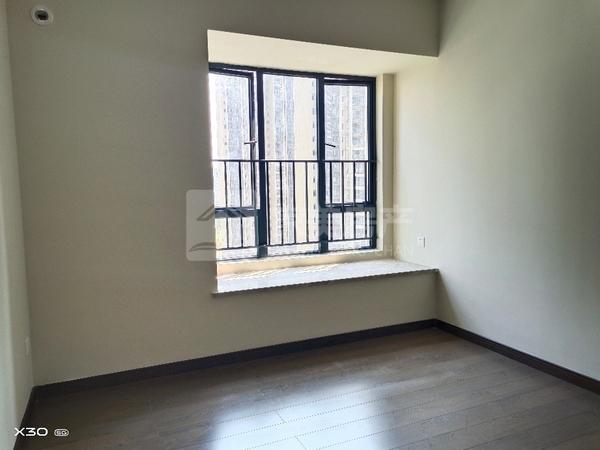 西江新城 保利玥府 128方精装四房 户型方正 黄金楼层 南北对流 150万